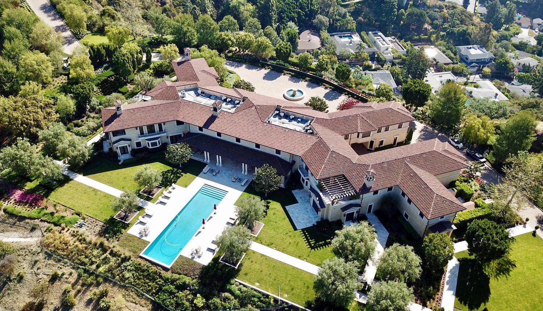 Le manoir de Beverly Ridge Estates (Californie, États-Unis) abritant les ducs de Sussex et leur fils, Archie. La maison appartient à l'acteur Tyler Perry.